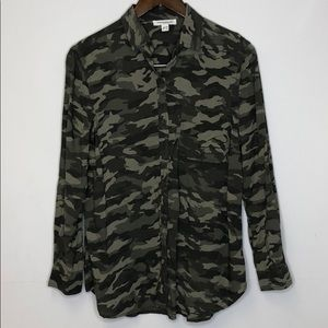 Beach lunch lounge Camouflage button down Top
